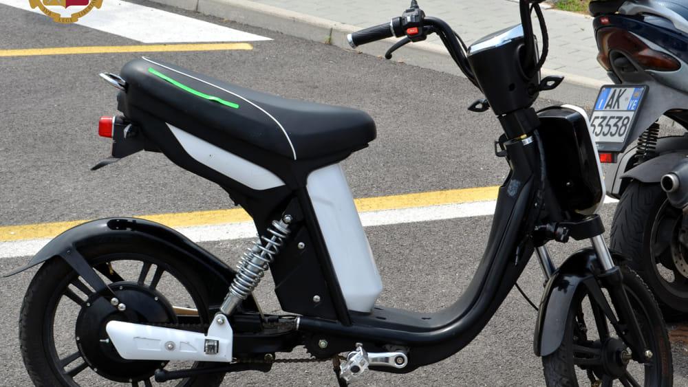 Fermato Sulla Bici Elettrica Rubata Ladruncolo Denunciato Dalla
