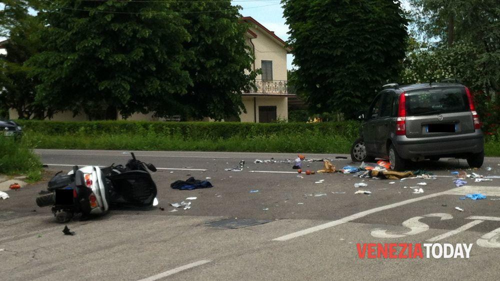 Incidente oggi a salzano in via de gasperi donna in moto 18 maggio 2013 - De gasperi santa maria di sala ...