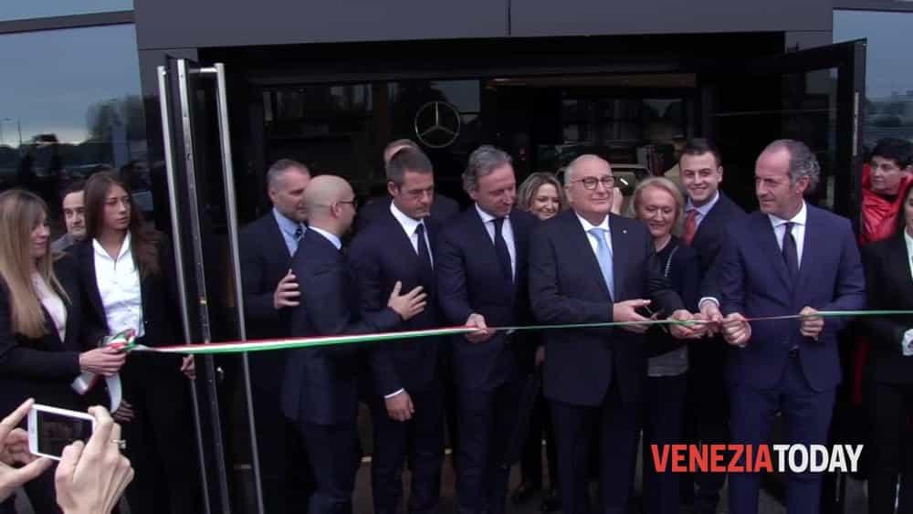 Apre la nuova concessionaria Carraro: «Qui c'è tutto lo spirito imprenditoriale veneto» - VeneziaToday