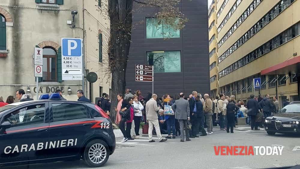 Allarme bomba a Venezia, evacuate le sedi del tribunale