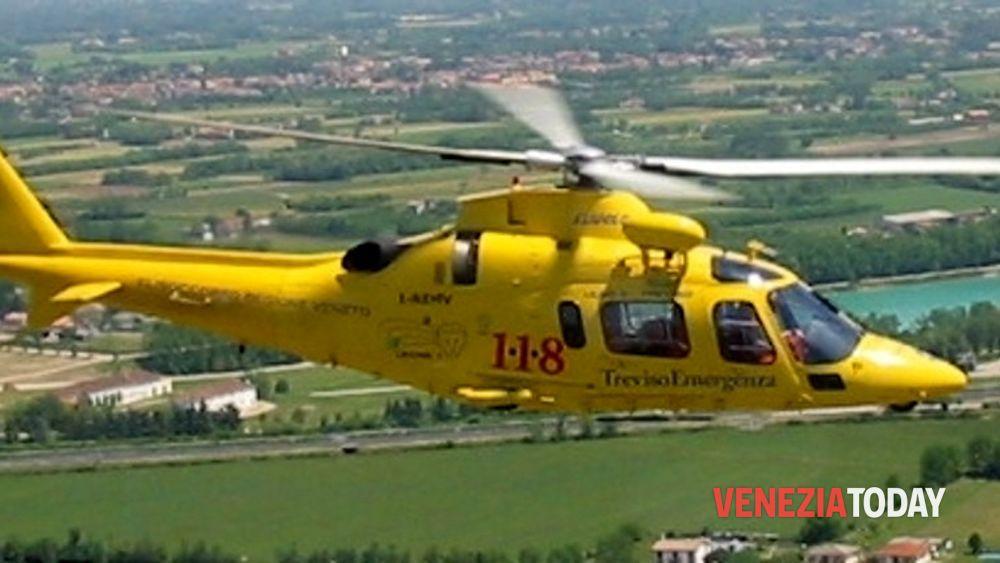 Preoccupante incidente a Cinto Caomaggiore: auto contro trattore - VeneziaToday
