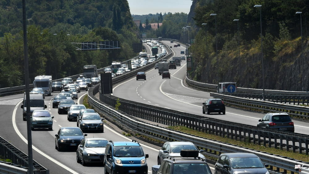 Previsioni e bollini del traffico in autostrada A4 per il
