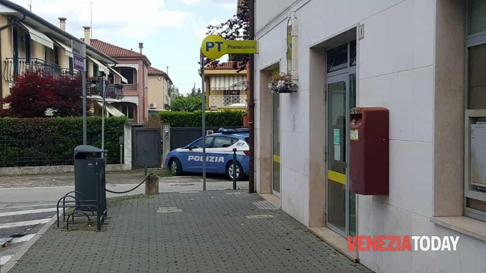 Ufficio Postale Di Jesolo Jesolo Ve : Rapina armata allufficio postale di catene marghera