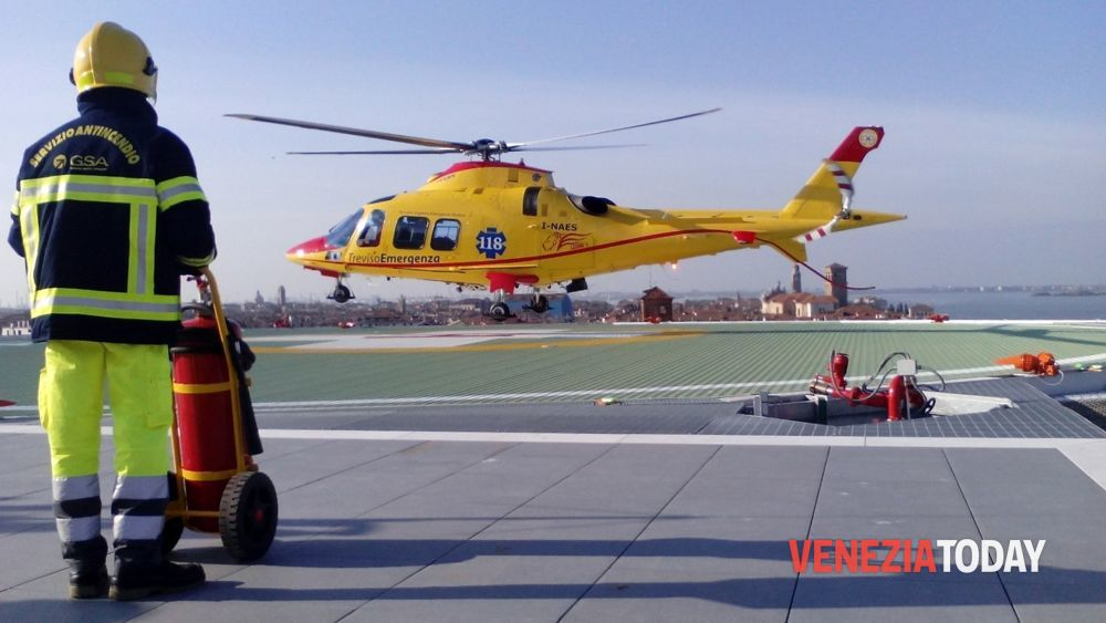 Elicottero Venezia : Incidente statale romea auto moto codevigo giugno